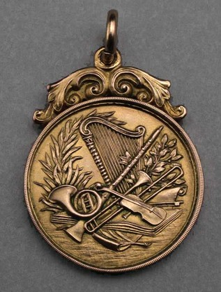 Antique Gold Musical Pendant - Piano Solo Prize