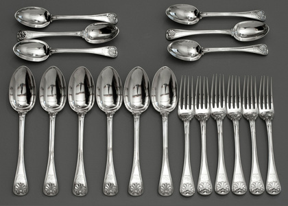 Rare Old English Military Thread & Shell Flatware Set (18 pieces, 6 tablespoons, 6 tableforks, 6 dessertspoons)